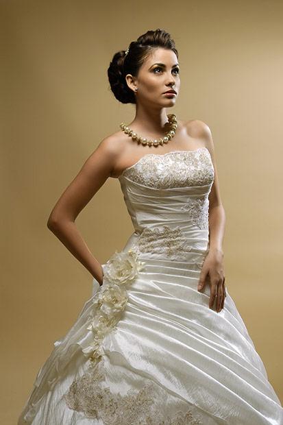 rochie de mireasa fotografie de produs