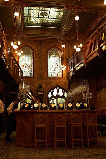 interior restaurant Caru cu bere