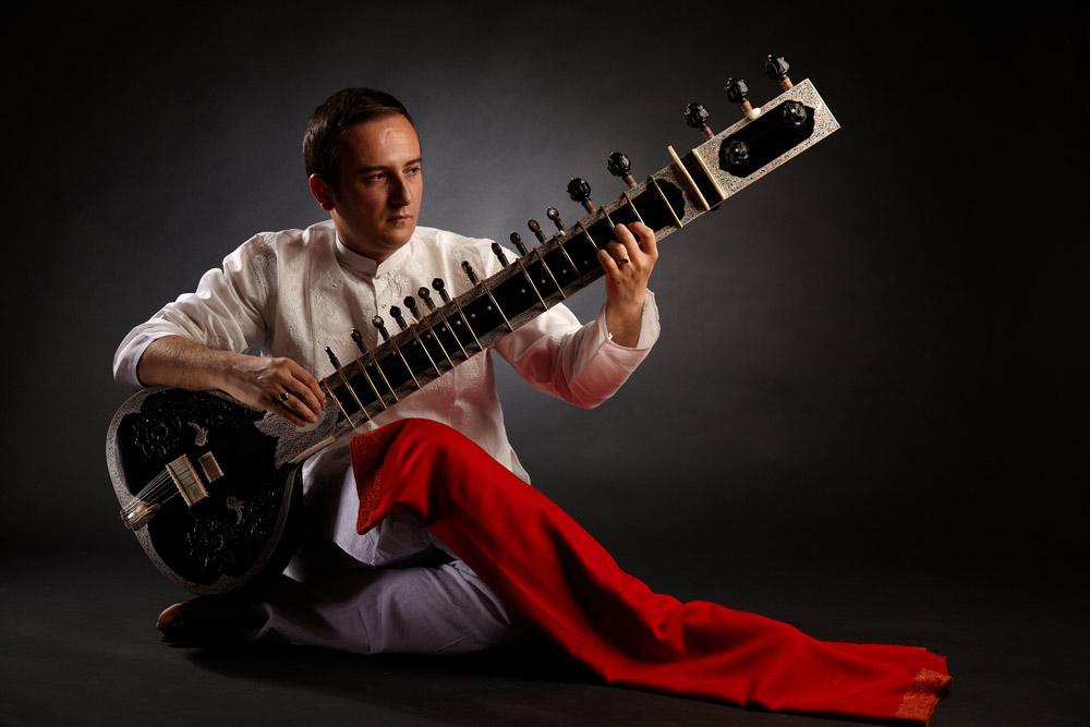 pozitia clasica de cantat la sitar