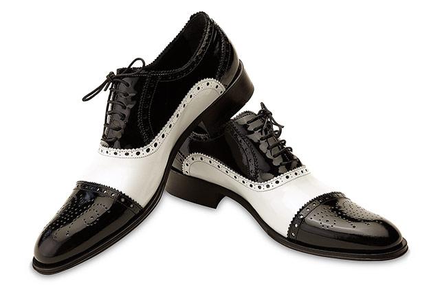 fotografii produs pantofi alb negru
