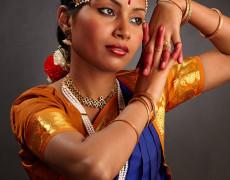 Dansatoare indianca