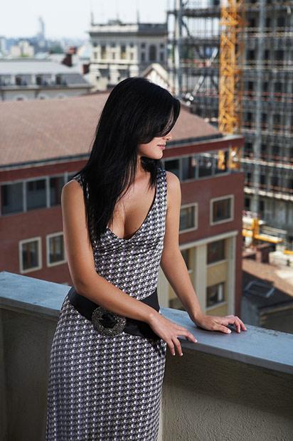 sedinta foto cu fotomodelul in balcon