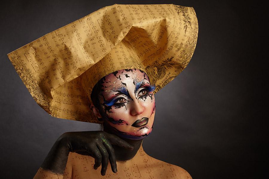 fotomodel cu face painting
