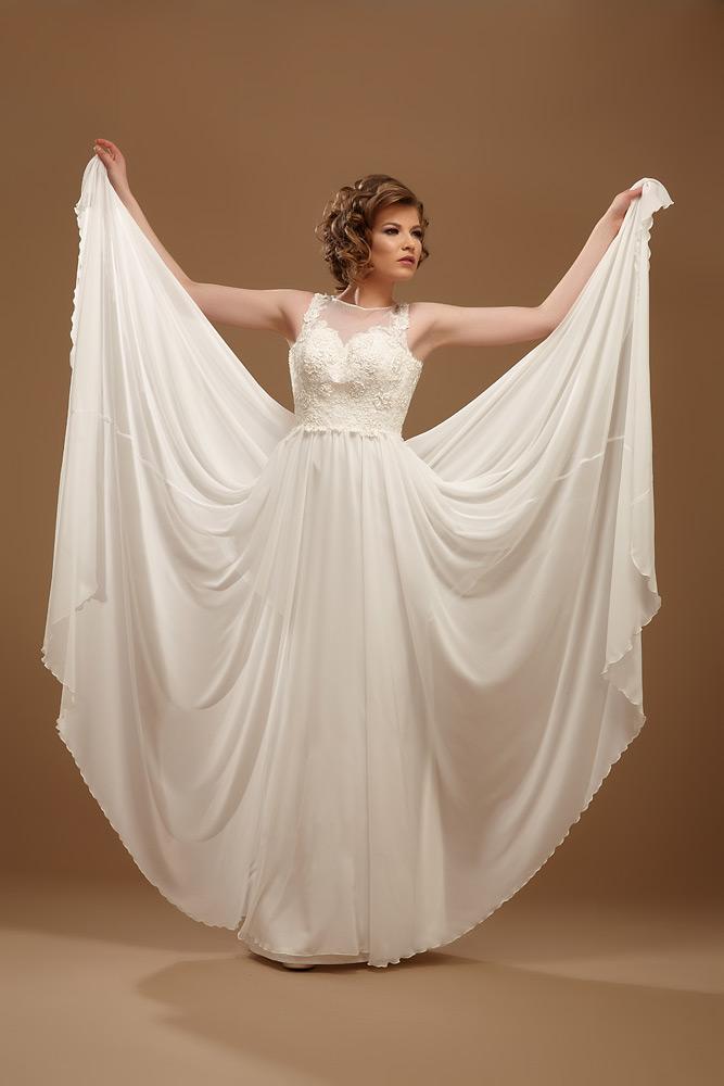 rochie ampla de mireasa
